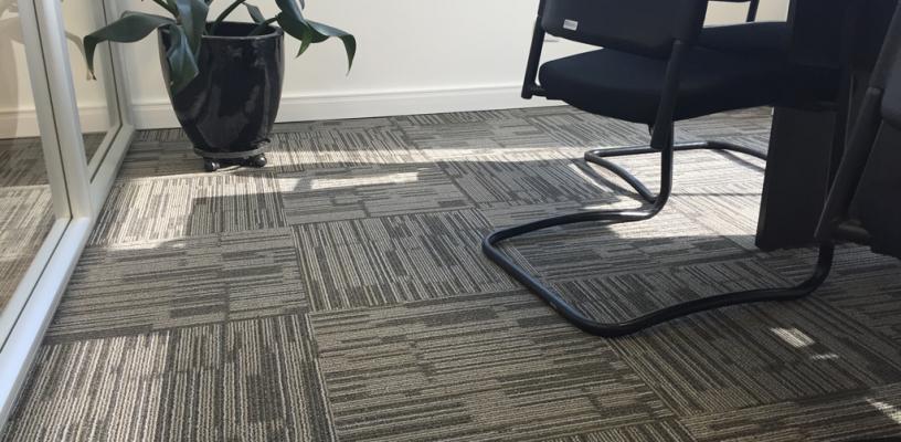 A Praticidade Da Pr 233 Instala 231 227 O Do Carpete Em Placas